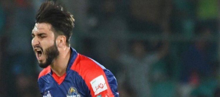 Shinwari defends five in last over to send Karachi into playoffs