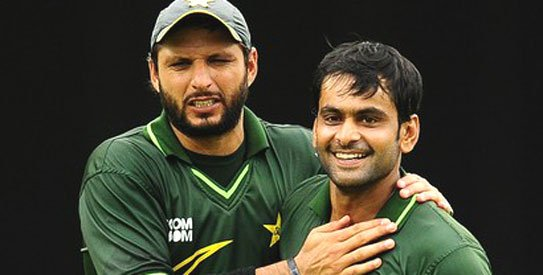 Afridi backs Hafeez in debate over tainted players' return to cricket